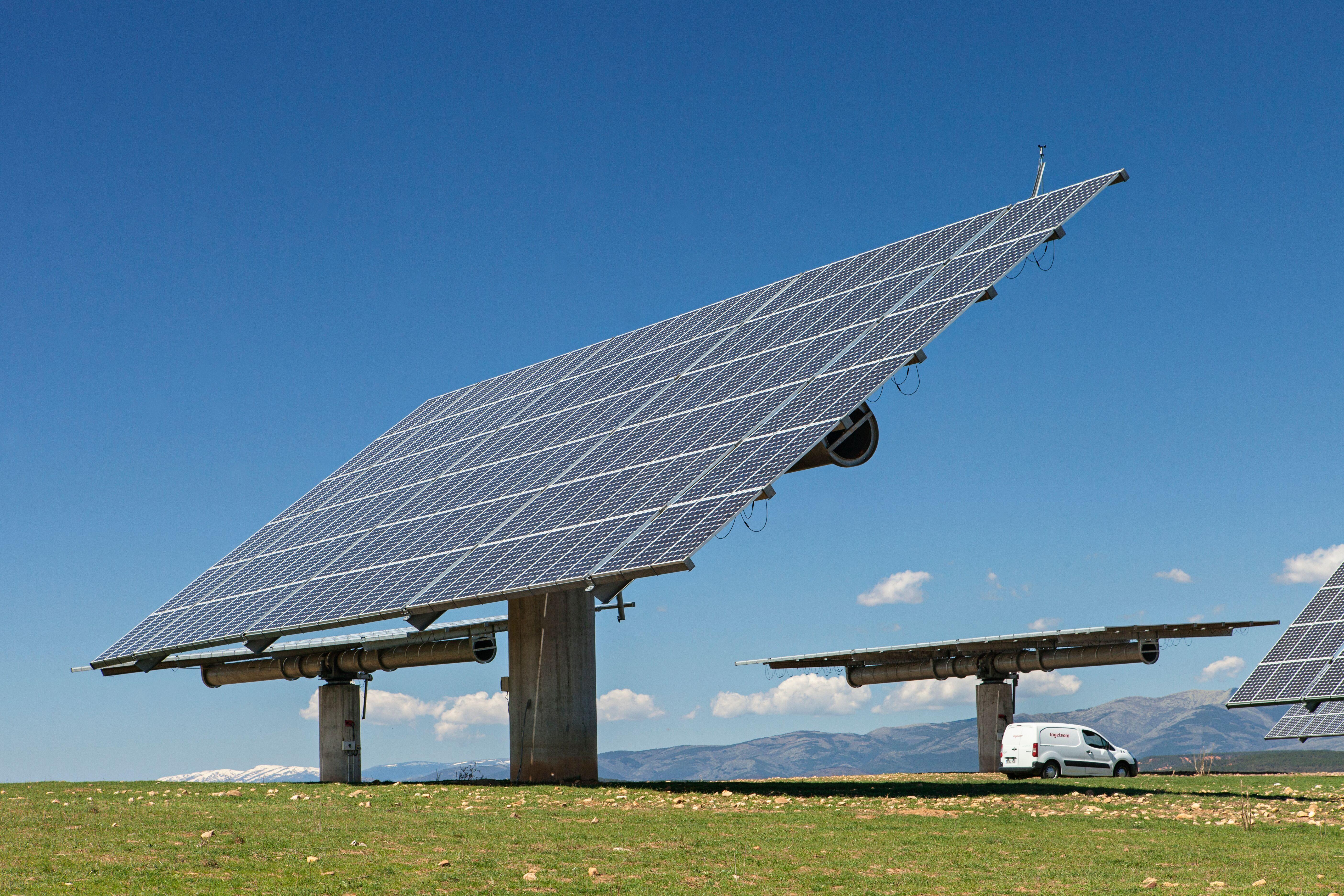Servicios a instalaciones fotovoltaicas